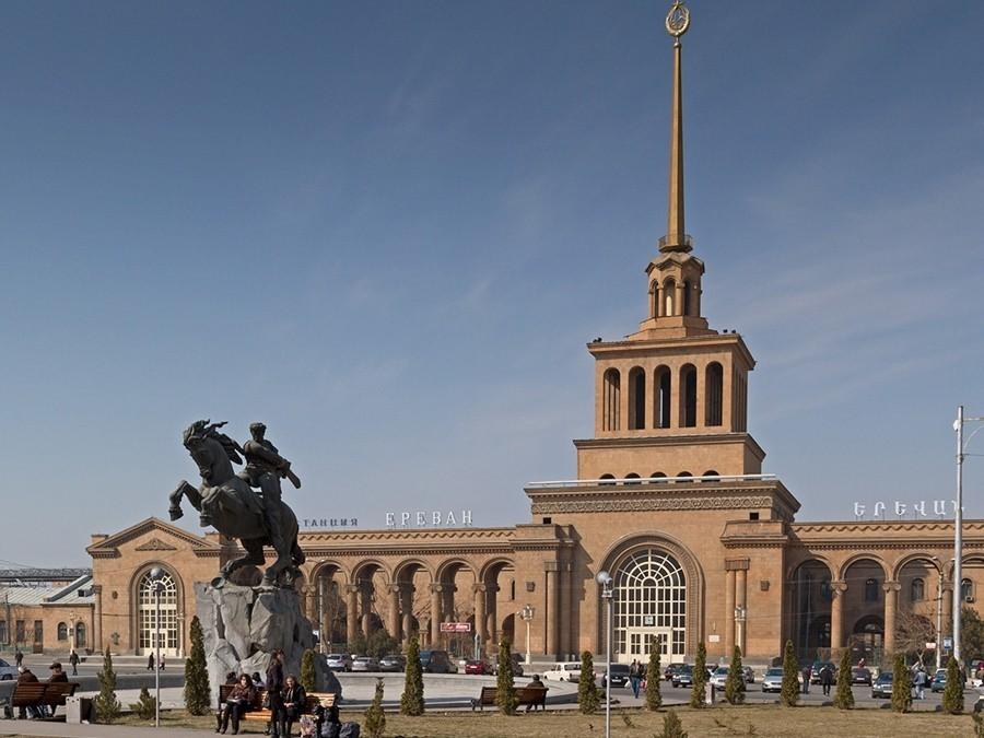 Эксперт: российских туристов привлекает армянское гостеприимство