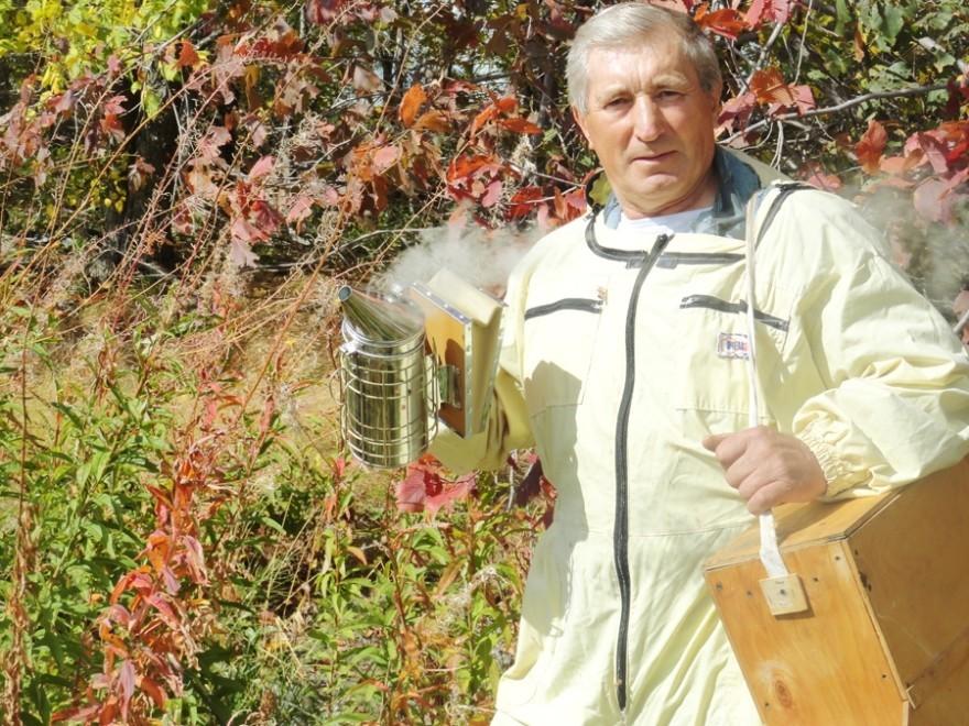 Специалист по пчелам и «черным ящикам»: как бывший летчик-истребитель стал пасечником
