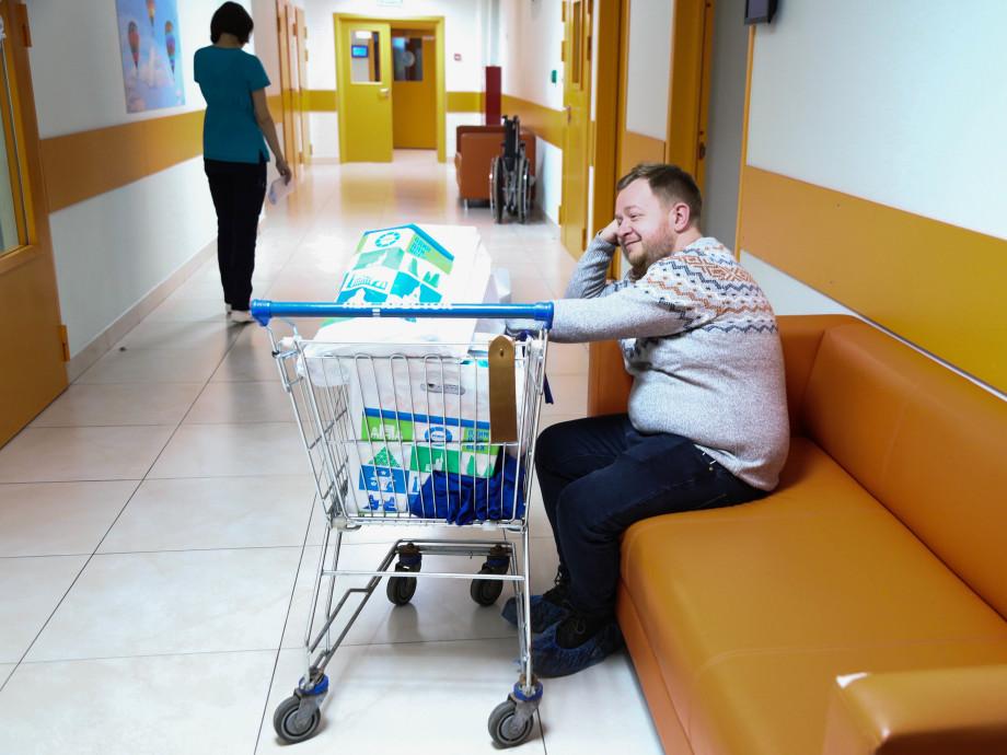 Радость как часть лечения: телеканал «МИР» устроил новогодний праздник для детей в больнице
