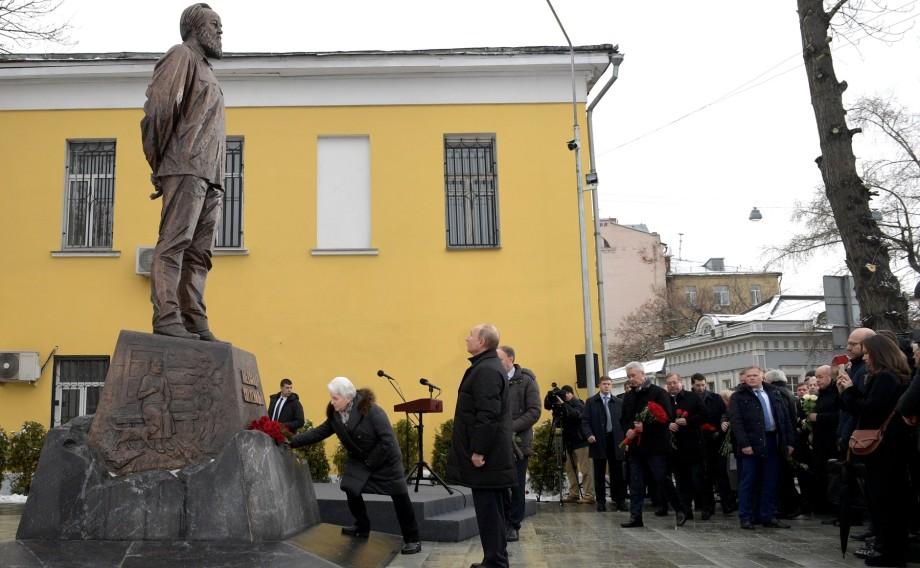 Истинный патриот: Путин вспомнил встречи с Солженицыным