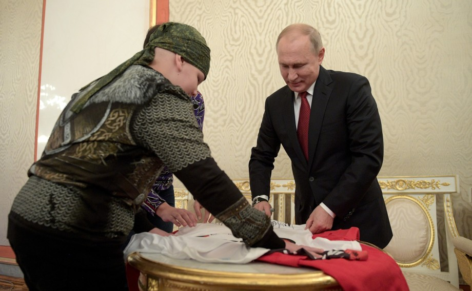 Путин исполнил желание 10-летнего Коли Кузнецова, пожав ему руку