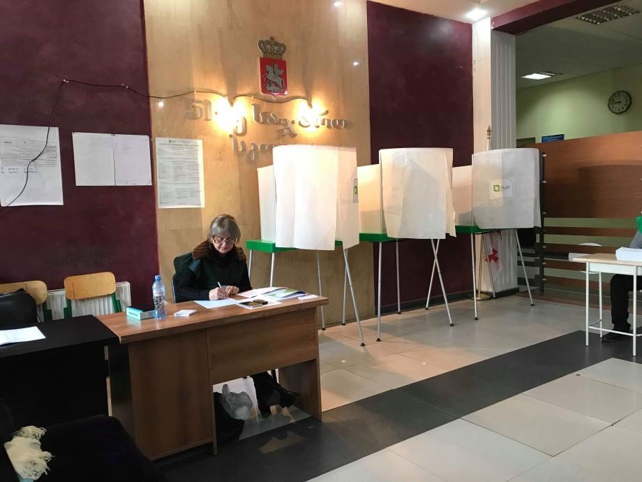 В Грузии завершился второй тур выборов президента