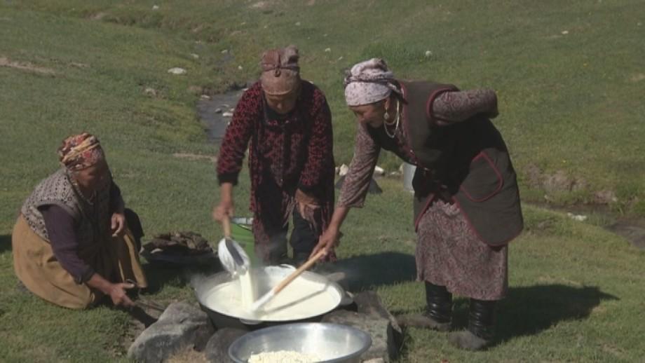 Не просто сырный шарик: как готовят курут в Кыргызстане
