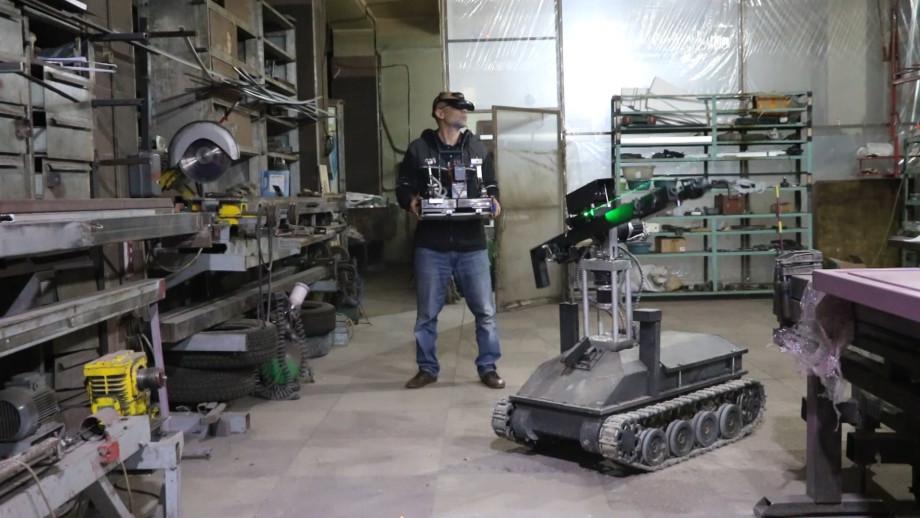 Железный скорпион: в Армении создали боевого робота