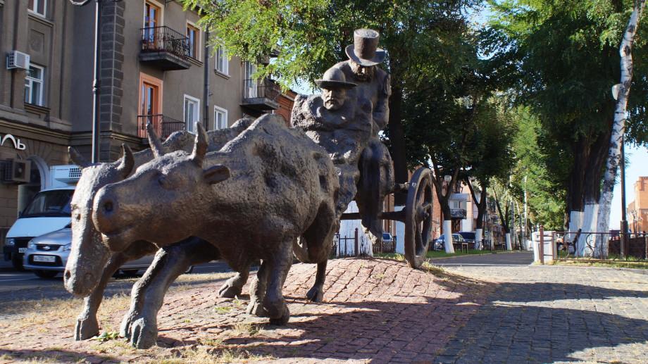Семь скульптур из серии «must see» во Владикавказе