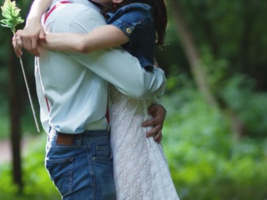 Первая любовь: как вести себя родителям
