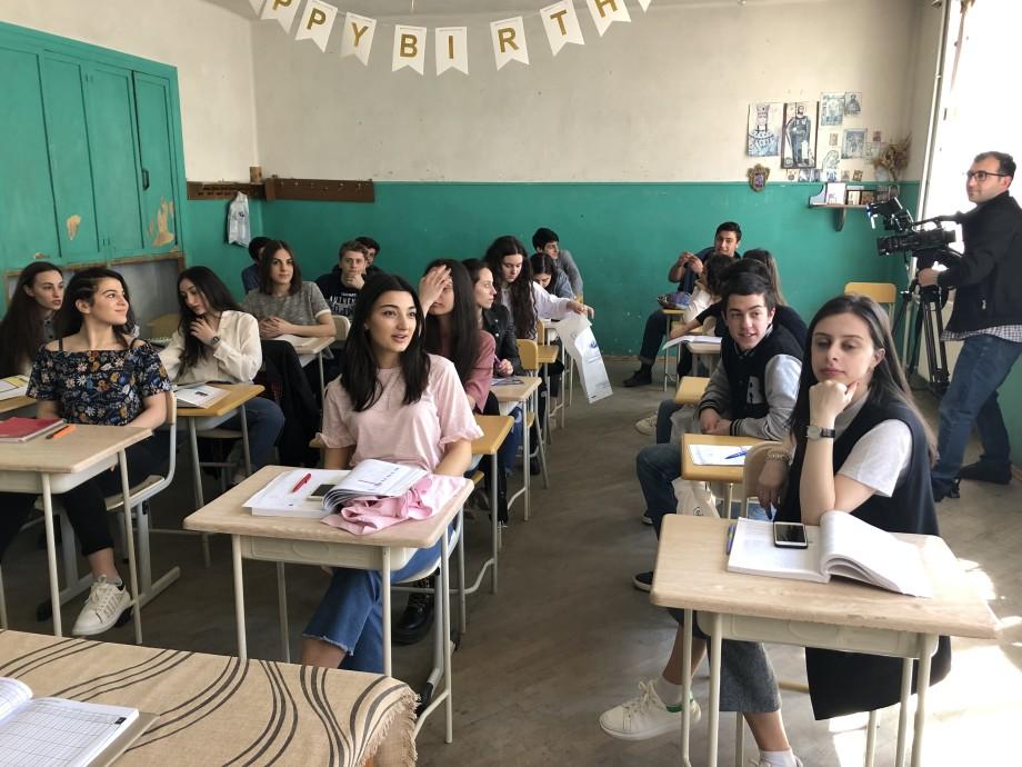 «Ненужный стресс»: в школах Грузии отменили выпускные экзамены