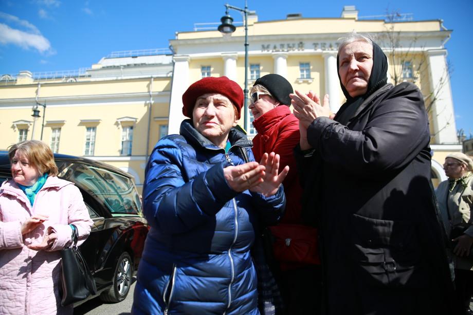 Элину Быстрицкую похоронили на Новодевичьем кладбище