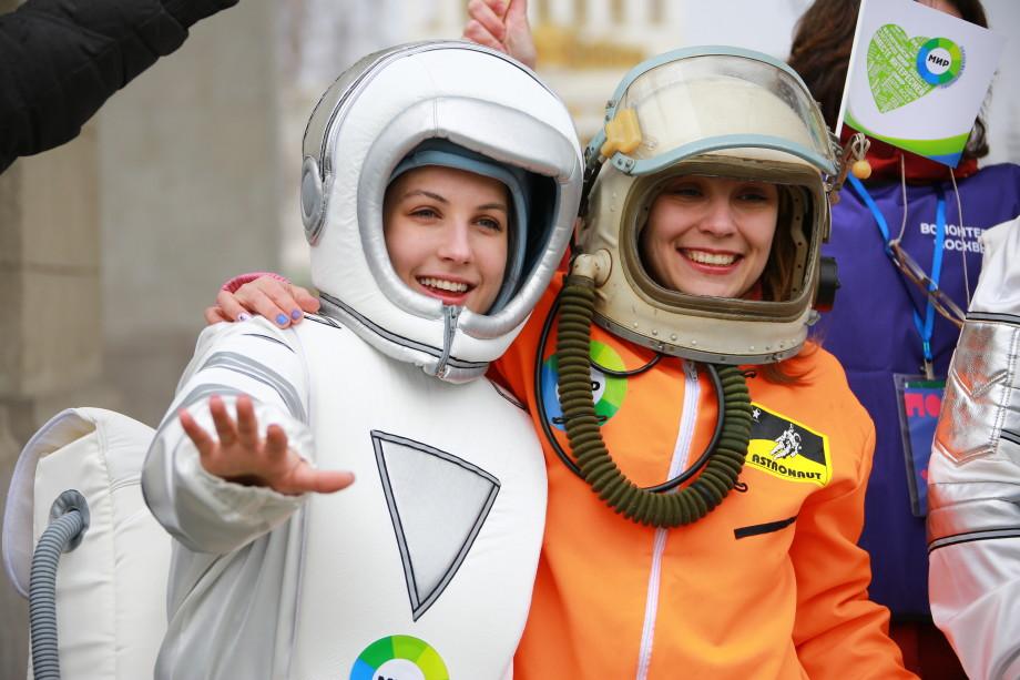 Телеканал «МИР» отмечает День космонавтики на ВДНХ