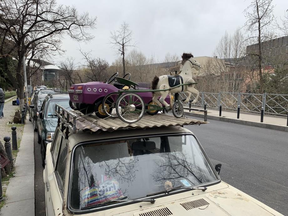Что происходит с туристами, которые приезжают в Тбилиси