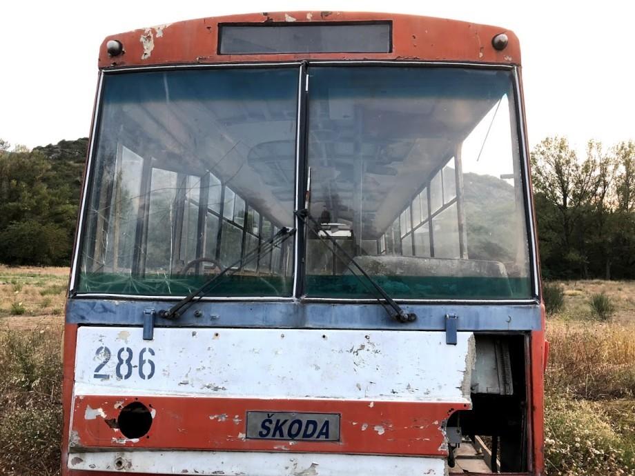 Троллейбус в траве: последний путь электротранспорта Тбилиси