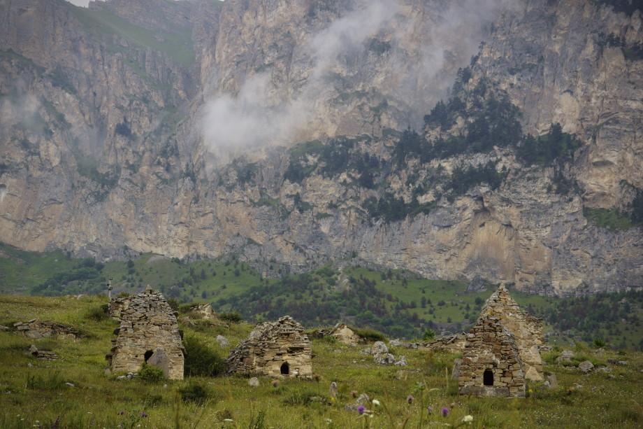 Загадки горной Дигории. По пути к Донифарско-Лезгорскому некрополю