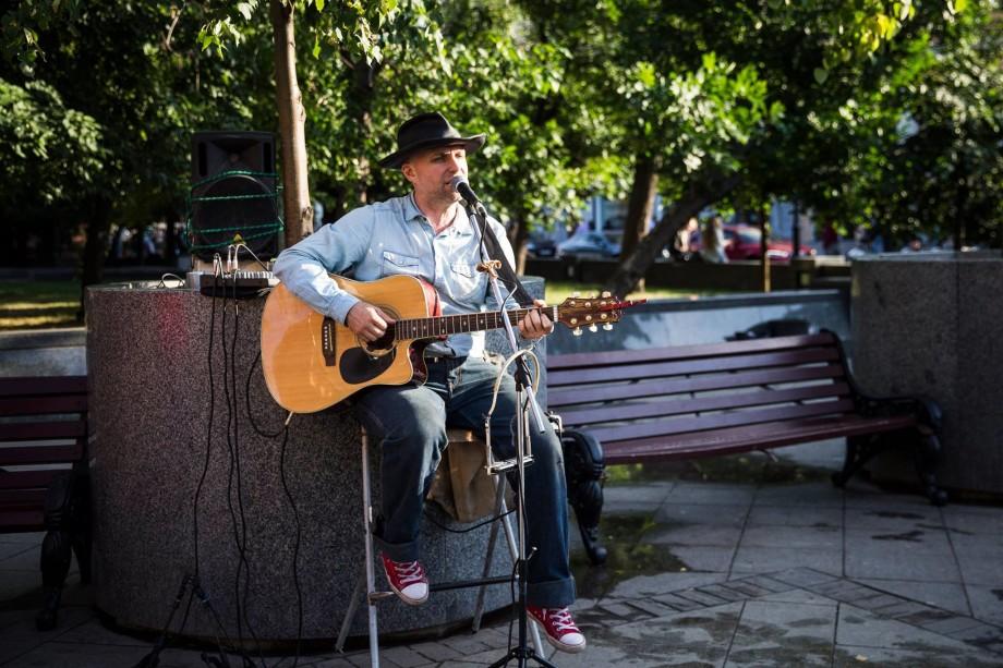 Город как сцена: вся правда об уличных музыкантах