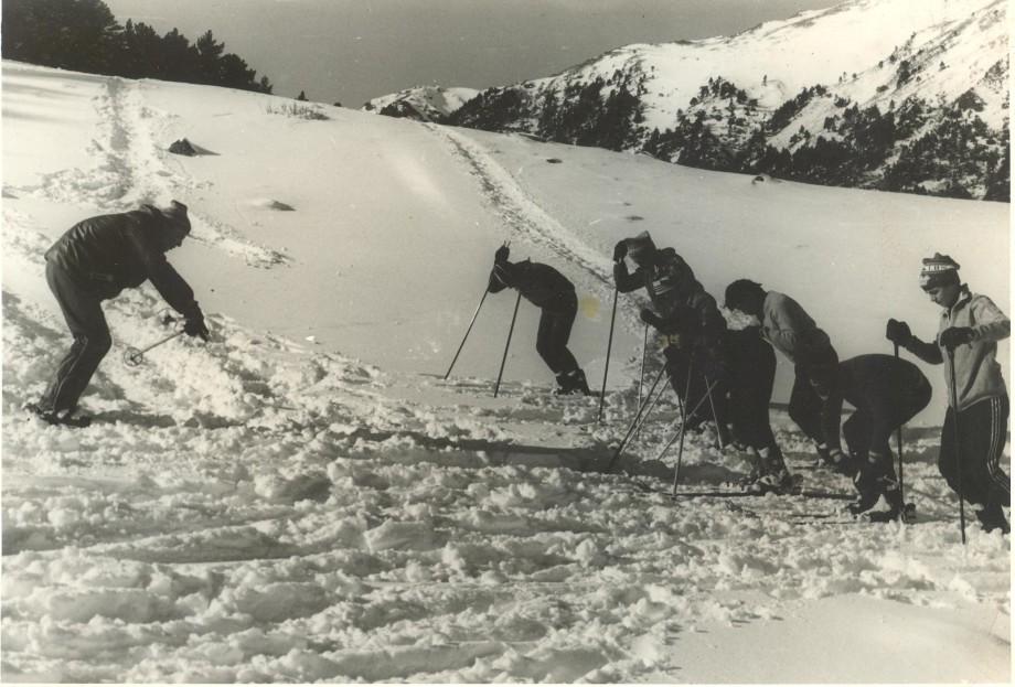 Тяжелый труд, лишения и восторг: зачем люди идут в горы
