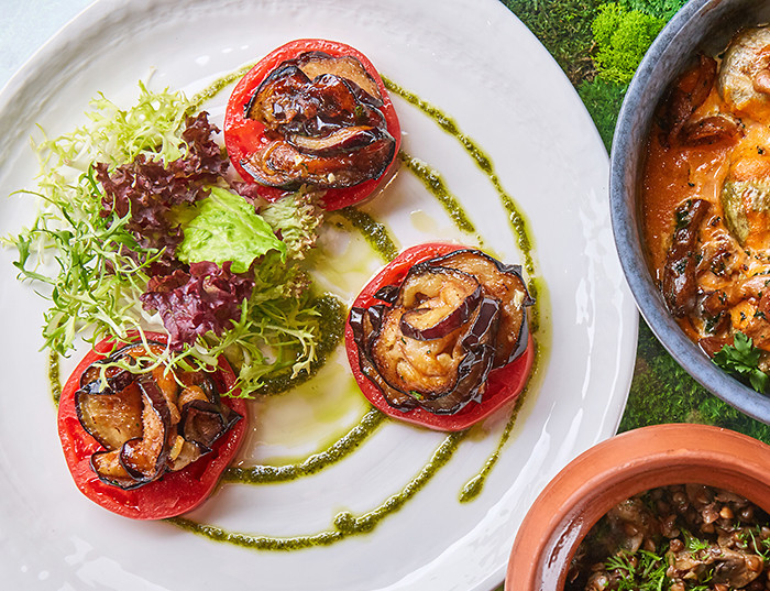 С острым соусом, хрустящие или тающие во рту: пять рецептов блюд из баклажана