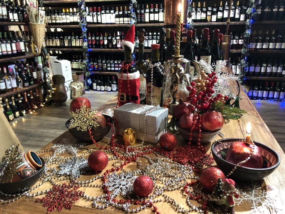 Украшение праздника: новогодний стол в Грузии нельзя представить без вина