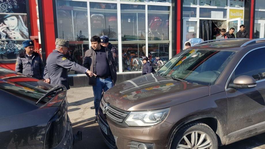 Душанбе очищают от неправильно припаркованного транспорта