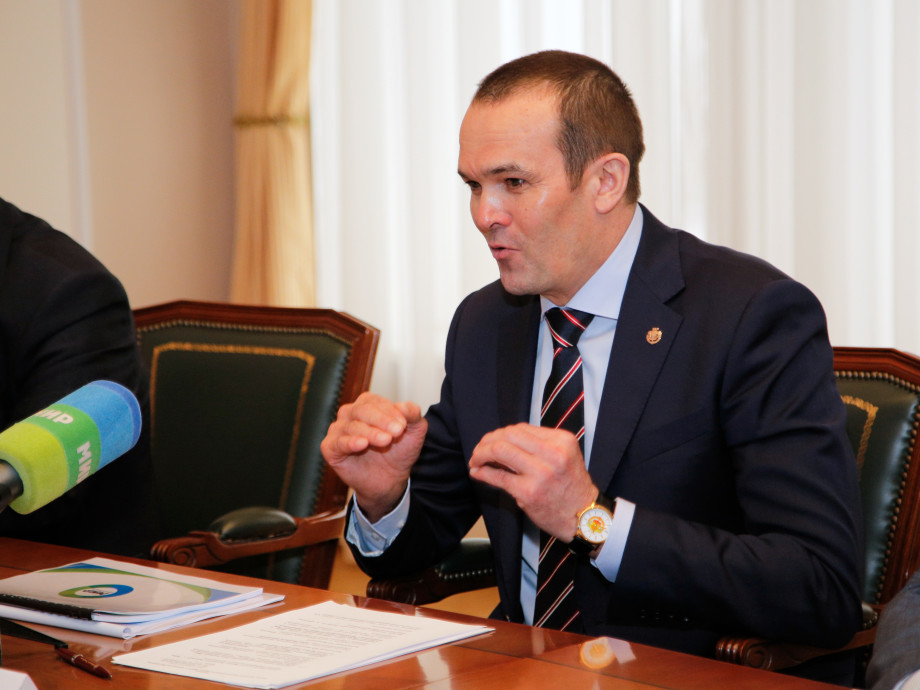 Глава Чувашии провел встречу с председателем МТРК «Мир»