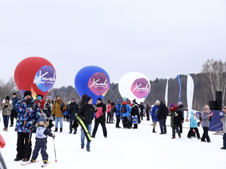 От звезд спорта до малышей: россияне вышли на самую массовую лыжню