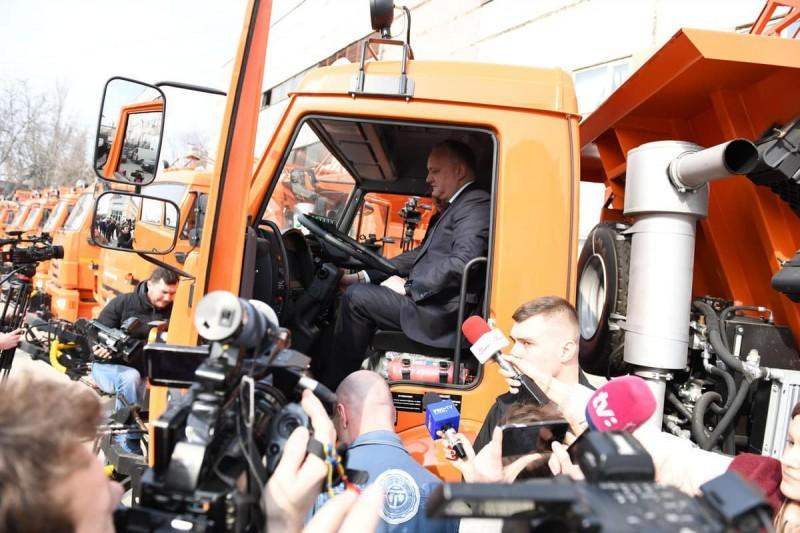 Подарок из России: Молдова получила 12 усовершенствованных КамАЗов