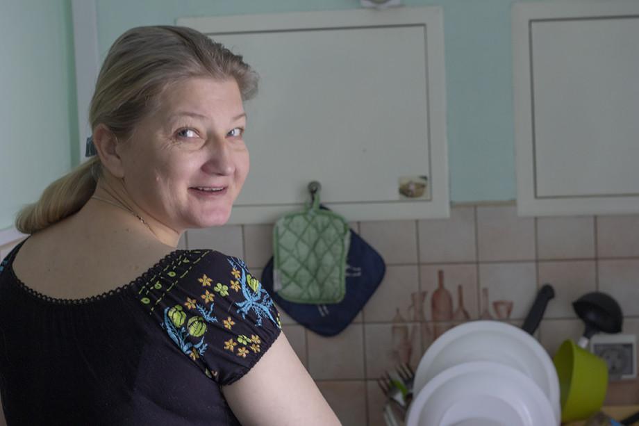 Определенное место жительства: как работает кризисный центр «Дом для мамы» в Москве