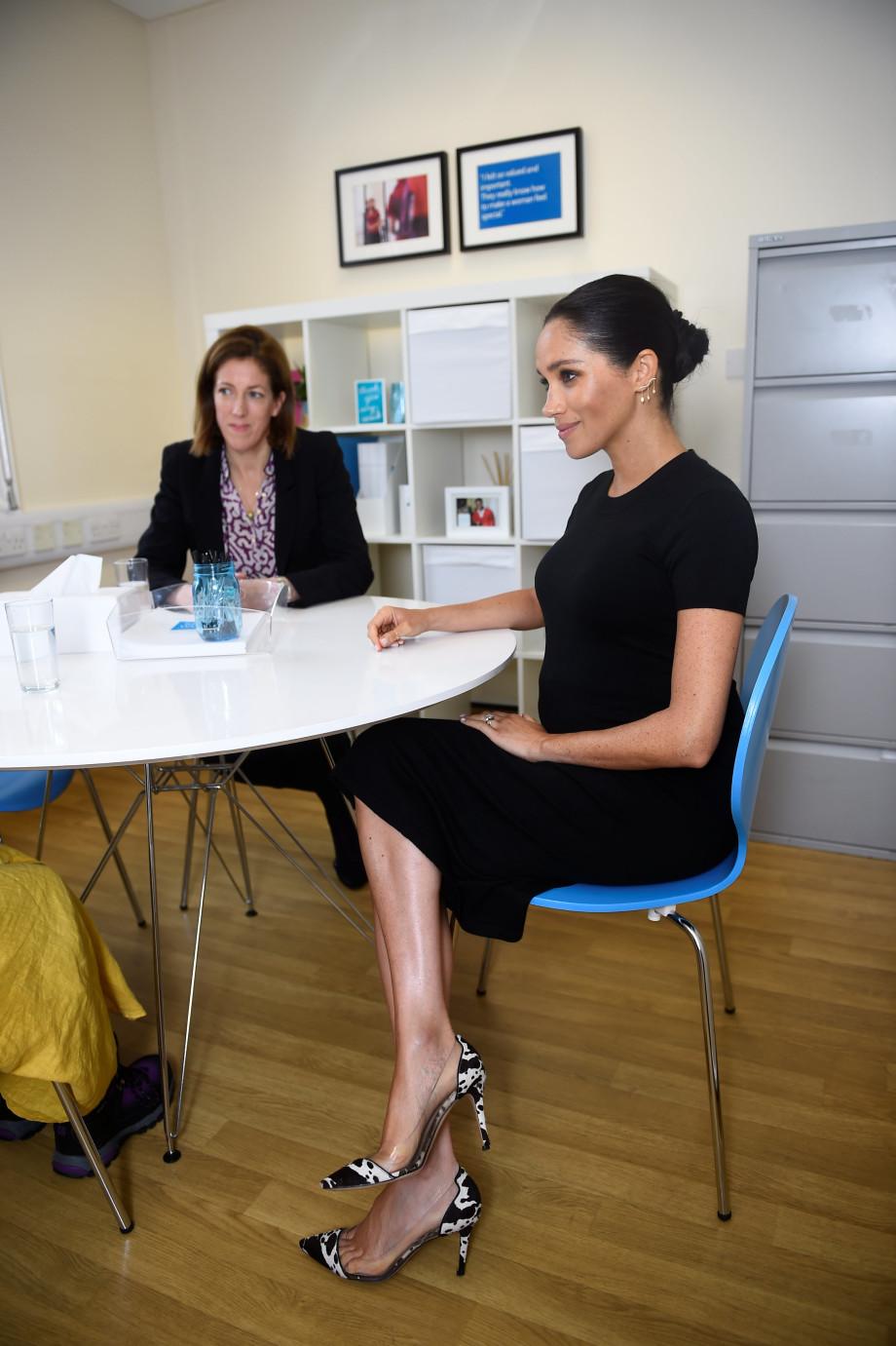Не по-королевски: Меган Маркл появилась на публике в «коровьих» туфлях