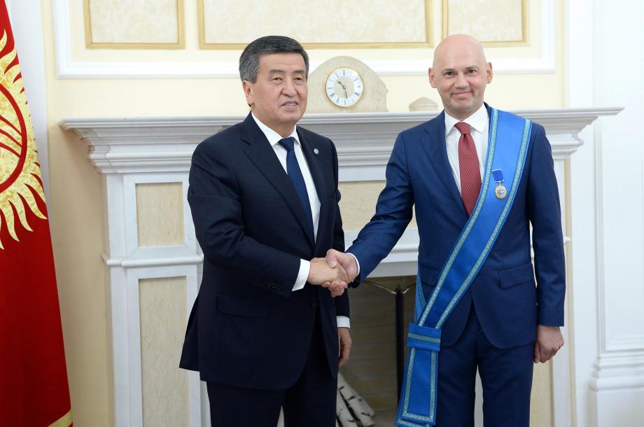 Награда для «МИРа»: Сооронбай Жээнбеков отметил вклад Радика Батыршина в укрепление дружбы народов СНГ