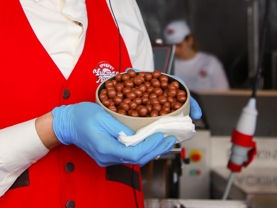 Как в Москве на 89 этаже раздают бесплатный шоколад