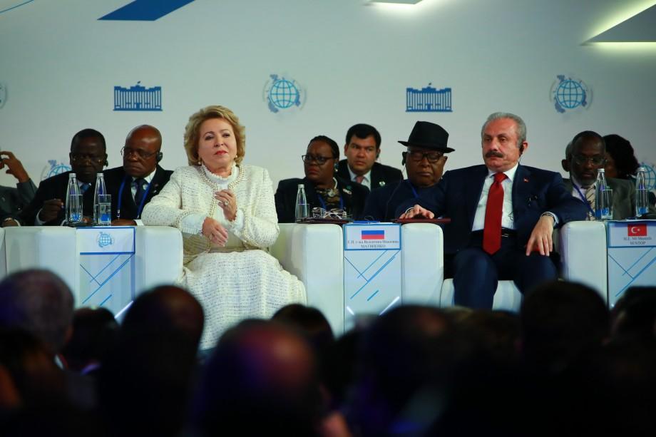 Форум парламентариев: в Москву приехали депутаты из 132 стран