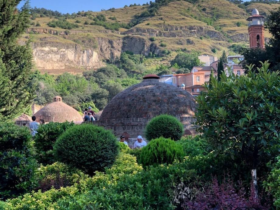 Пять причин посетить серные бани в Тбилиси