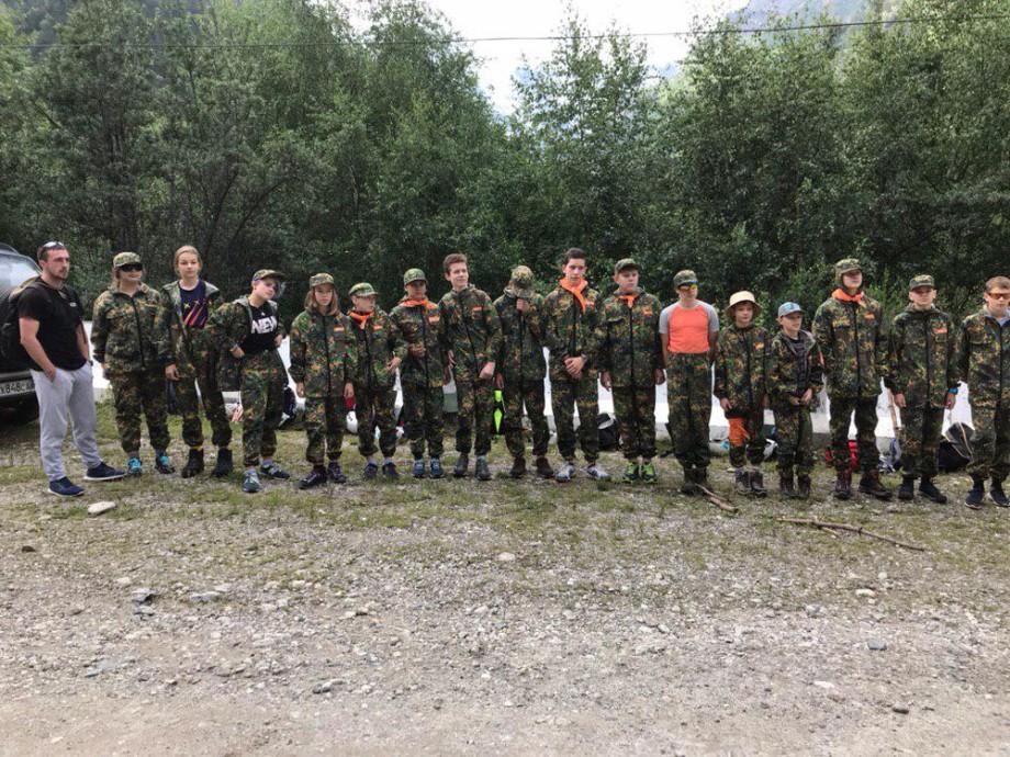 Детский лагерь в горах: в Приэльбрусье готовят героев