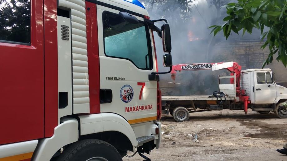 Онкологическая больница загорелась в Махачкале