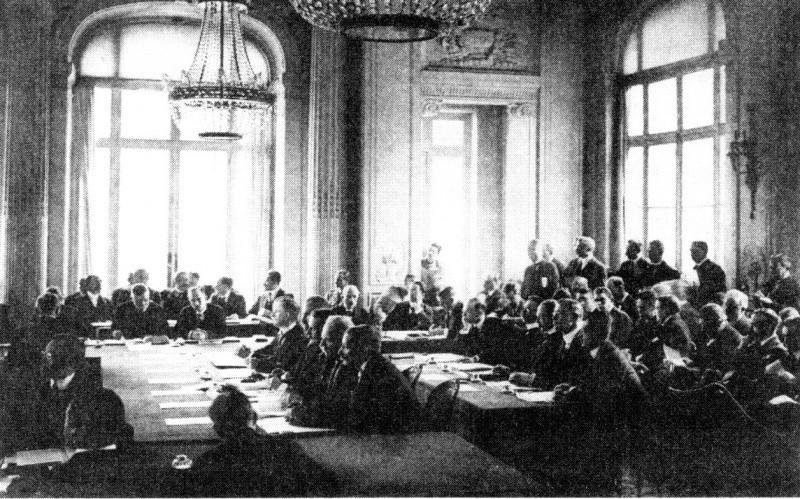 «Все понимали: Германия вновь подымется...»: какие плоды принес Европе Версальский мир