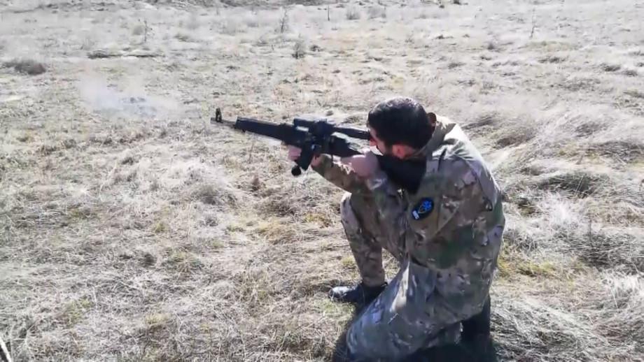 Искусство выживания: где в Армении учат метко стрелять и лазать по скалам