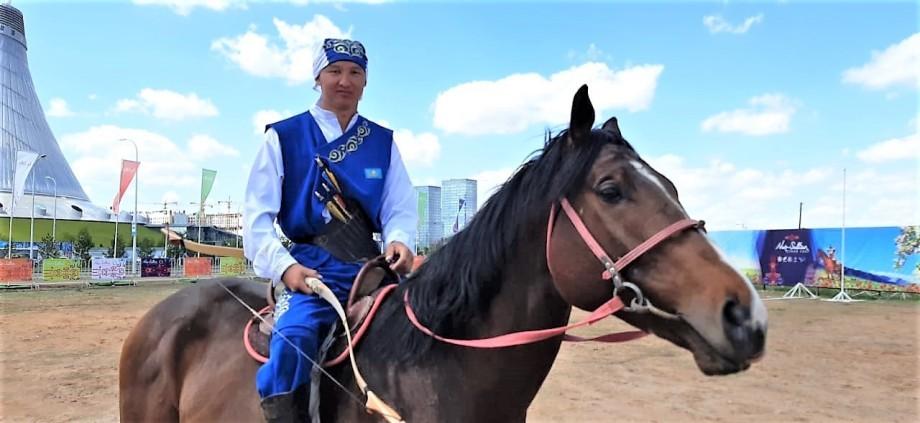 В Казахстане набирает популярность древняя национальная игра жамбы ату