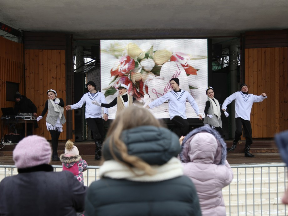 Сладкая вата, чудо-шар и отличное настроение: «МИР» устроил для женщин праздник