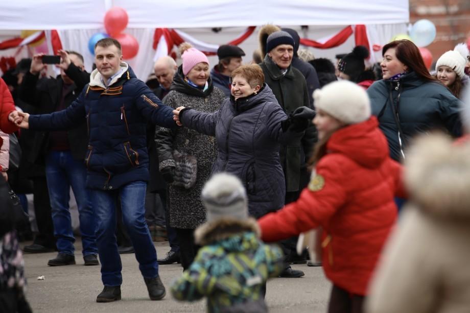 Танцы, песни, Мэрцишор: москвичи встретили весну по-молдавски