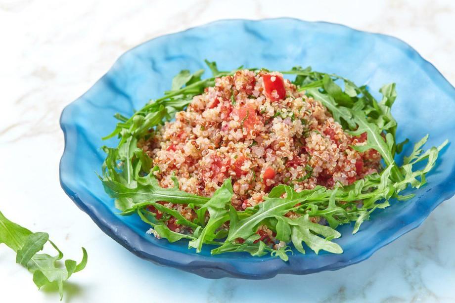 Зелень с грядки: как приготовить вкусные салаты