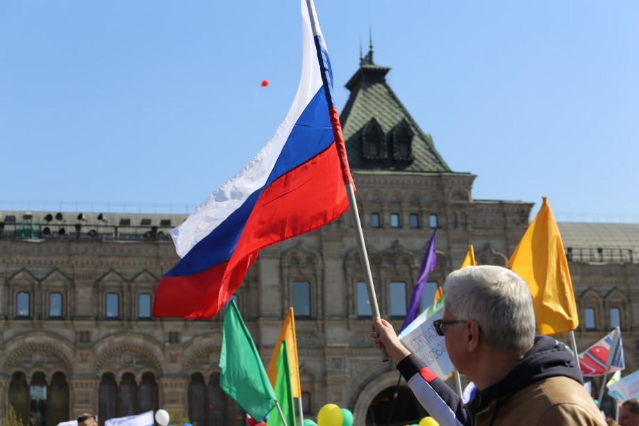 На первомайское шествие профсоюзов в Москве вышли более 100 тысяч человек