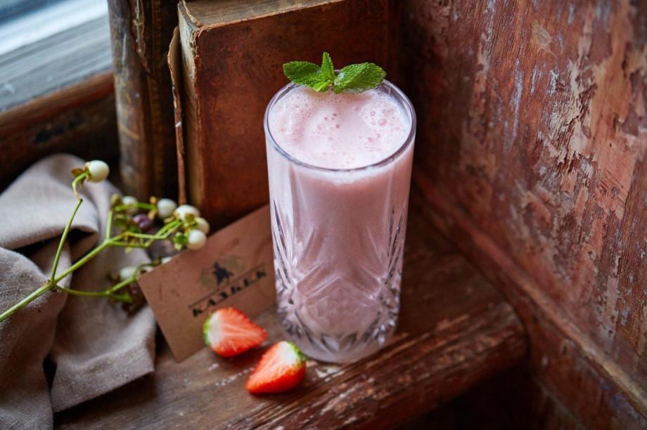 Десерты с клубникой: попробуйте лето на вкус!