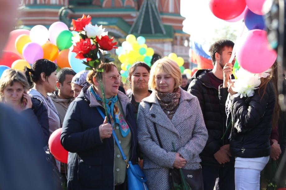 Профсоюзы отметили Первомай массовым шествием на Красной площади