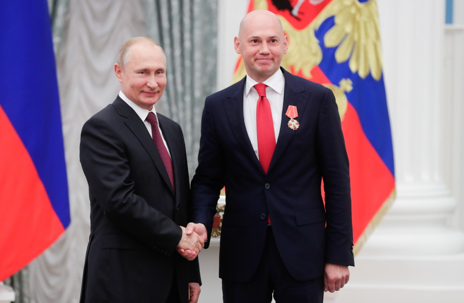 Путин вручил председателю МТРК «Мир» Радику Батыршину орден Александра Невского