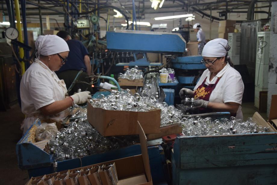 До лампочки: как ведущий ламповый завод в Центральной Азии перешел на торты
