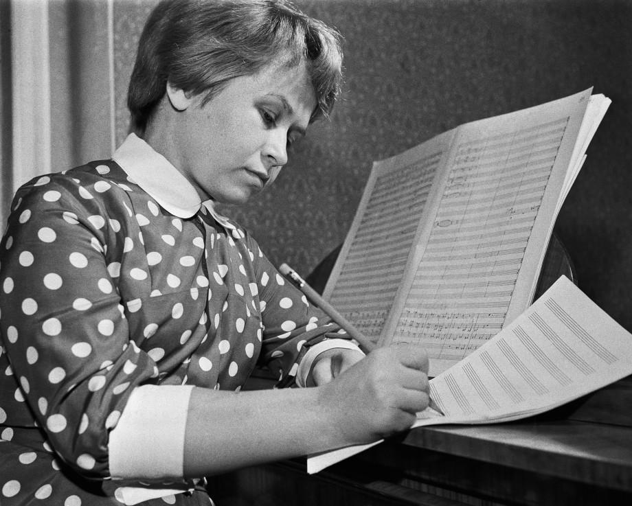 Мелодии эпохи: Александра Пахмутова празднует 90-летие