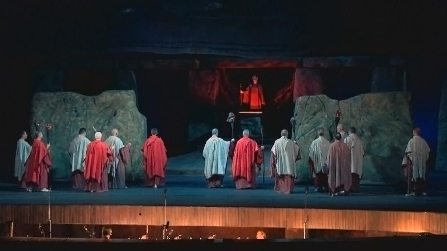 «Господа, расходимся!»: из Театра оперы и балета имени Марии Биешув Молдове уходят артисты