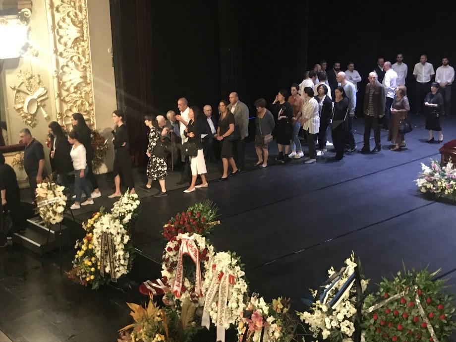 Легендарного Гию Канчели проводили в последний путь аплодисментами