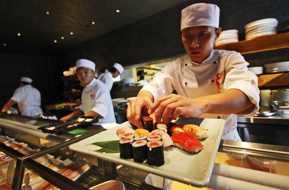 Японская рулетка: опасно ли есть сырую рыбу в московских суши-барах?
