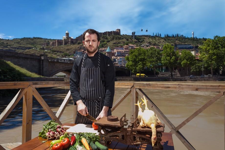 Как грузинский программист полностью изменил свою жизнь и стал в шеф-поваром в ресторане?