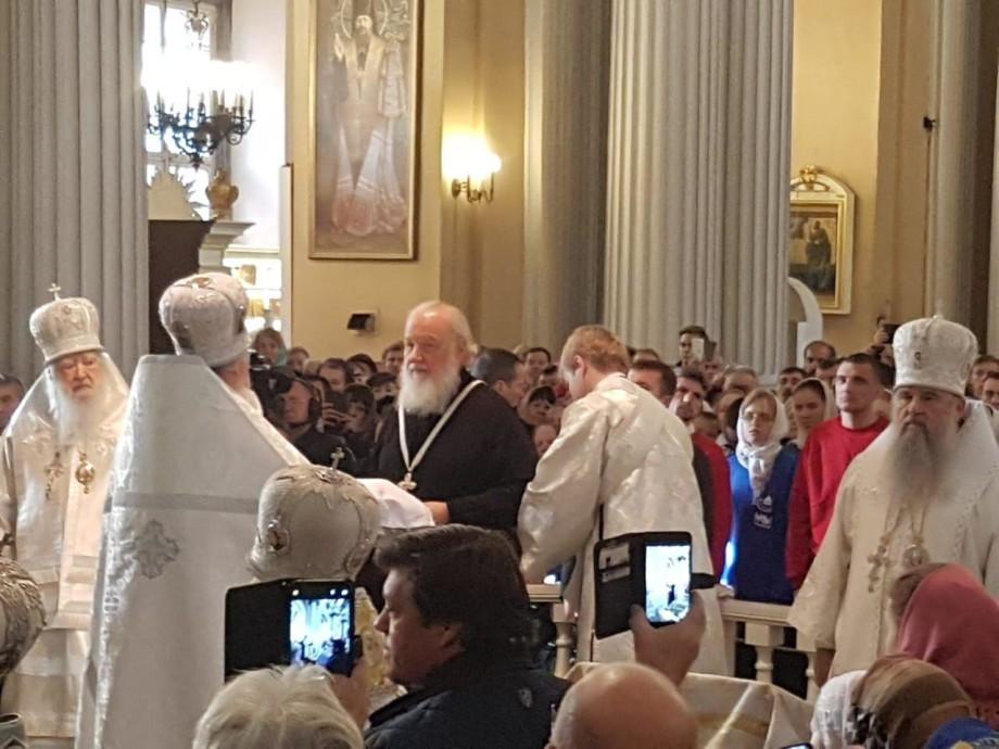 Патриарх Кирилл в Петербурге провел литургию в память своего духовного учителя