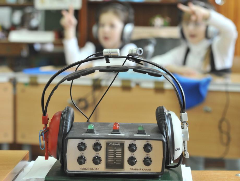 «Не слышать – не проблема, проблема – не уметь читать». Как глухому получить образование и работу в России?
